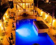 Grande Ritz Paradise - Brindley Beach Vacation