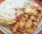 Minnie's Sausage Gravy & Biscuits - Stack'em High