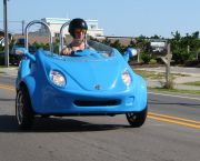 Cruise Cool in a Scoot Coupe - Enjoy the Ride Rentals