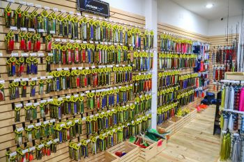Oceans East Bait & Tackle Nags Head, Iland Lures