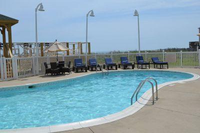 Outdoor pool at Hilton Garden Inn Outer Banks/Kitty Hawk