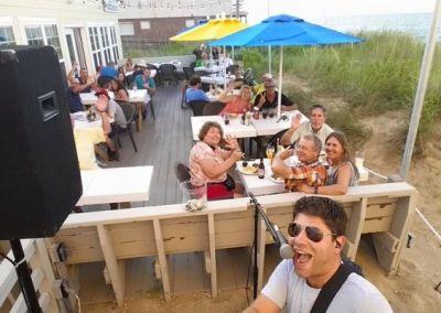 Beachside Bistro offers live music in-season